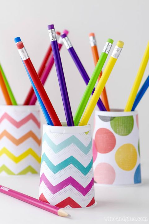 tilbage to school activity paper cup pencil holder with colorful pencils