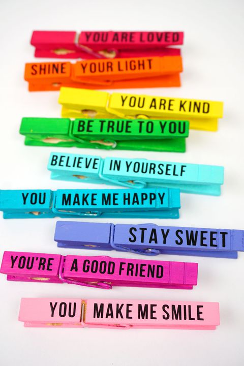 tilbage to school activity colored clothespins with inspirational messages